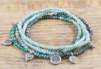 Pure Sparkle Jade Green mit Silber Charm Armband (2mm Perlen)