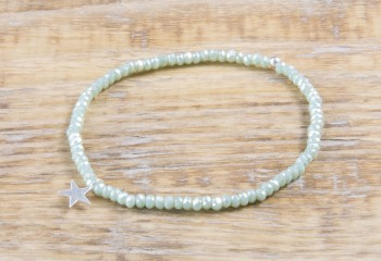Pure Sparkle Pale Green mit Silber Charm Armband (2mm Perlen)